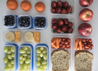 Overhead view prepared healthy snacks and lunches in containers 11096050150| 写真素材・ストックフォト・画像・イラスト素材|アマナイメージズ