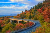 Autumn Drive along Linn Cove Viaduct