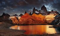 Laguna de Los Tres and Mt Fitz Roy at sunrise, Patagonia, Argentina