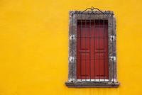 Close-up of closed window, San miguel de Allande, Guanajuato, Mexico