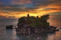 Sunset over Pura Tanah Lot, Tanah Lot, Bali, Indonesia