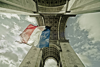 French flag and Arc de Triomphe seen from below, Paris, France 11098025302  写真素材・ストックフォト・画像・イラスト素材 アマナイメージズ