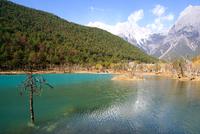 View of Jade Dragon Snow Mountain, Lijiang, Yunnan, China