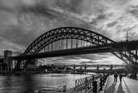Arch bridge over river, Tyne Bridge, Newcastle, North East England, England, UK