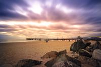 Beach on cloudy day, Los Angeles, California, USA 11098039070| 写真素材・ストックフォト・画像・イラスト素材|アマナイメージズ