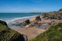Celtic Sea and cliff on sunny day, Bedruthan, Cornwall, UK