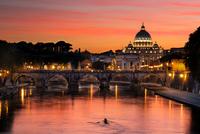 Coucher de soleil sur la Basilique Saint-Pierre, Rome
