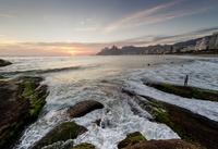 Rio De janeiro at sunset looking over Ipanema Beach 11098063673| 写真素材・ストックフォト・画像・イラスト素材|アマナイメージズ