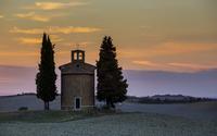 Vitaleta Chapel in Val dOrcia at sunset, Province of Siena, Italy