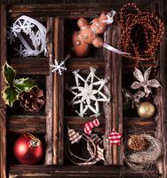 Christmas card with box of toys 11098074335| 写真素材・ストックフォト・画像・イラスト素材|アマナイメージズ