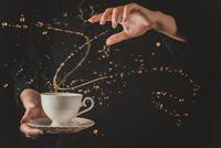 I'm a coffeebender! 11098074923| 写真素材・ストックフォト・画像・イラスト素材|アマナイメージズ