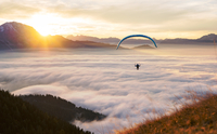 Flying above the Clouds 11098075423| 写真素材・ストックフォト・画像・イラスト素材|アマナイメージズ