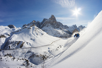 Backcountry Skiing in the Dolomites 11098075596| 写真素材・ストックフォト・画像・イラスト素材|アマナイメージズ