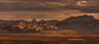 Cloudy Lighting 11098076292| 写真素材・ストックフォト・画像・イラスト素材|アマナイメージズ