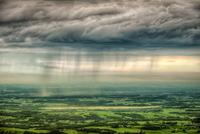 rainclouds 11098076323  写真素材・ストックフォト・画像・イラスト素材 アマナイメージズ