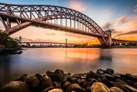 Hell Gate and Triboro bridge at sunset 11098076480| 写真素材・ストックフォト・画像・イラスト素材|アマナイメージズ