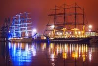 Night view of Tall Ships Regatta 11098076541| 写真素材・ストックフォト・画像・イラスト素材|アマナイメージズ