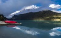 Morning at Lake Louise 11098076646| 写真素材・ストックフォト・画像・イラスト素材|アマナイメージズ