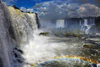 Iguassu Falls, view from Brazilian side 11098077145| 写真素材・ストックフォト・画像・イラスト素材|アマナイメージズ