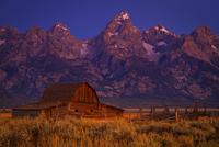 John Moulton Barn   Grand Teton National Park, WY 11098077364  写真素材・ストックフォト・画像・イラスト素材 アマナイメージズ