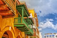 Balconies 11098077392| 写真素材・ストックフォト・画像・イラスト素材|アマナイメージズ