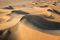 White Desert 11098077889| 写真素材・ストックフォト・画像・イラスト素材|アマナイメージズ