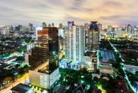 Cityscape in middle of Bangkok,Thailand 11098078028| 写真素材・ストックフォト・画像・イラスト素材|アマナイメージズ