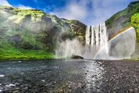 Rainbow in waterfall 11098078161| 写真素材・ストックフォト・画像・イラスト素材|アマナイメージズ