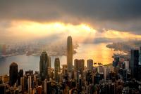 City and Harbor at cloudly day - Hong Kong 11098078171| 写真素材・ストックフォト・画像・イラスト素材|アマナイメージズ