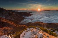 sunrise over National park Triglav, Slovenia 11098078188| 写真素材・ストックフォト・画像・イラスト素材|アマナイメージズ