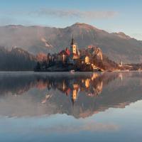 Lake Bled 11098078209| 写真素材・ストックフォト・画像・イラスト素材|アマナイメージズ
