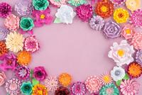 Handmade paper flowers 11098078462| 写真素材・ストックフォト・画像・イラスト素材|アマナイメージズ