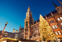 Christmas market in Munich 11098078474  写真素材・ストックフォト・画像・イラスト素材 アマナイメージズ