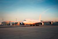 Airport at the sunset 11098078503| 写真素材・ストックフォト・画像・イラスト素材|アマナイメージズ