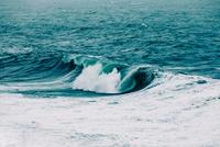 Iceland Surf Scene 11098078511| 写真素材・ストックフォト・画像・イラスト素材|アマナイメージズ