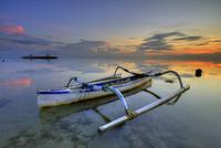 A Warm Sunrise 11098079282  写真素材・ストックフォト・画像・イラスト素材 アマナイメージズ