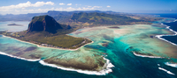 Le Morne Brabant - Mauritius (Ile Maurice) 11098079837| 写真素材・ストックフォト・画像・イラスト素材|アマナイメージズ