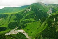 Green mountains 11098080126| 写真素材・ストックフォト・画像・イラスト素材|アマナイメージズ