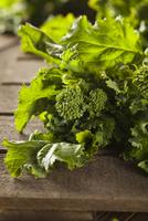 Organic Raw Green Broccoli Rabe Rapini 11098080439| 写真素材・ストックフォト・画像・イラスト素材|アマナイメージズ