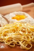 Making Pasta 11098080593| 写真素材・ストックフォト・画像・イラスト素材|アマナイメージズ