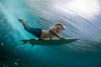 surfing in Mauritius 11098080938| 写真素材・ストックフォト・画像・イラスト素材|アマナイメージズ