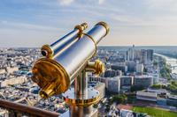 Tourist telescope Eiffel Tower 11098081119| 写真素材・ストックフォト・画像・イラスト素材|アマナイメージズ