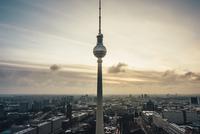 Berliner Fernsehturm 11098082058| 写真素材・ストックフォト・画像・イラスト素材|アマナイメージズ
