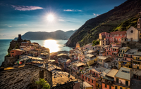 Sun-Drenched Vernazza 11098082064| 写真素材・ストックフォト・画像・イラスト素材|アマナイメージズ