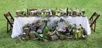 Wedding banquet table decor in the garden 11098082397| 写真素材・ストックフォト・画像・イラスト素材|アマナイメージズ