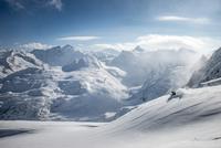 Powder Skiing in the Austrian Alps 11098082506| 写真素材・ストックフォト・画像・イラスト素材|アマナイメージズ