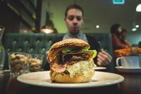 Bacon & Cheese Burger 11098082526| 写真素材・ストックフォト・画像・イラスト素材|アマナイメージズ
