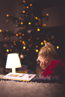 Stories after Christmas 11098082532  写真素材・ストックフォト・画像・イラスト素材 アマナイメージズ