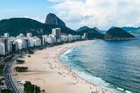 Aerial view at famous Copacabana Rio de Janeiro 11098082668| 写真素材・ストックフォト・画像・イラスト素材|アマナイメージズ