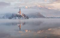 Lake Bled 11098082686| 写真素材・ストックフォト・画像・イラスト素材|アマナイメージズ